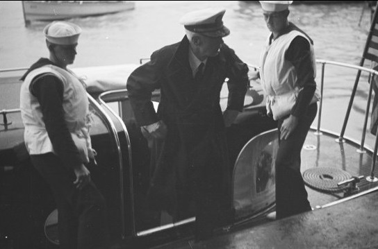 Admiral Harry Ervin Yarnell comes ashore from USS Augusta, Shanghai